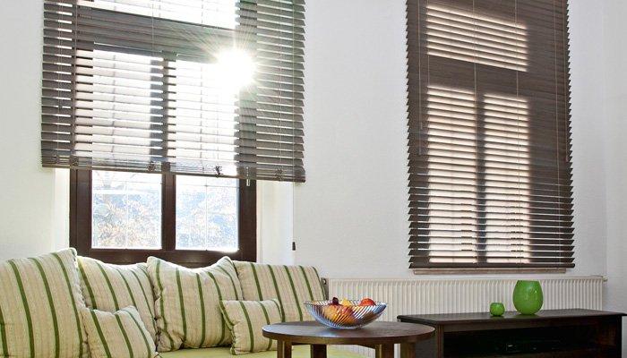 jalousien nach ma oder als jalousie in standardgr en online bestellen. Black Bedroom Furniture Sets. Home Design Ideas